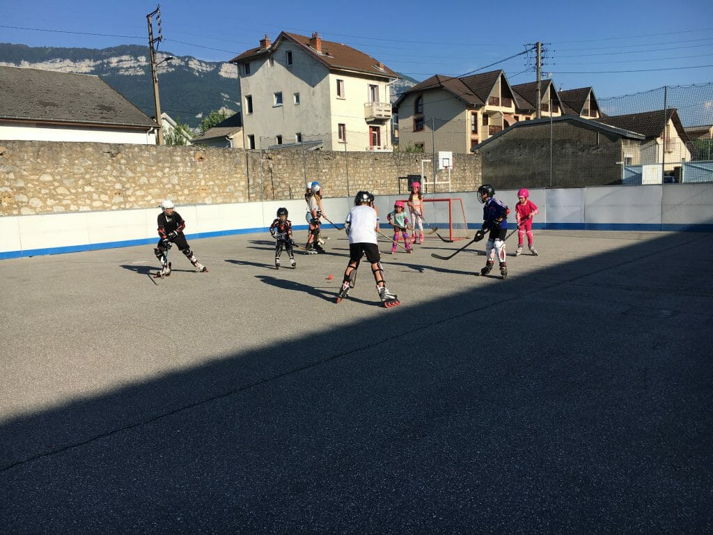 Aix Roll'n'RIde - Photo école de roller hockey